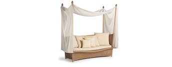 Daydream Four Poster Daybed XS